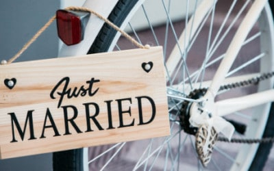 Vi er gift og har et fællesbarn – er det nødvendigt med et testamente for at den længstlevende kan sidde i uskiftet bo?
